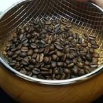 焙煎仕立てのコーヒー豆