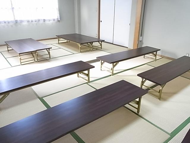和室に机を置いたイメージ