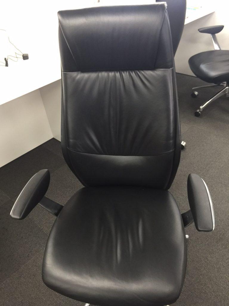 OBPアカデミア、ライブラリーの椅子